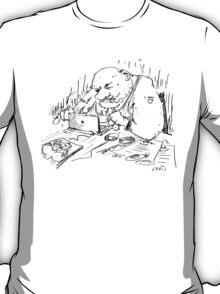 Mr Spam writes an e-mail T-Shirt
