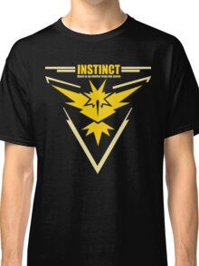 Team instinct pokemon go Classic T-Shirt