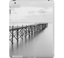 Black and white photography of a beach wooden pier iPad Case/Skin