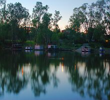 A few house boats by ndarby1