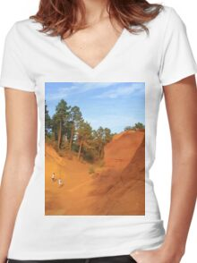Sentier des Ocres Women's Fitted V-Neck T-Shirt