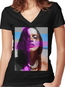 Ricci Women's Fitted V-Neck T-Shirt