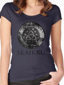 Skaikru Women's Fitted Scoop T-Shirt