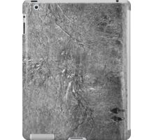 Moves Gently iPad Case/Skin