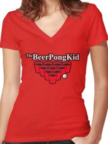 The beer pong kid Women's Fitted V-Neck T-Shirt