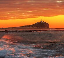 Newcastle Nobby's Lighthouse Sunrise by tismeau