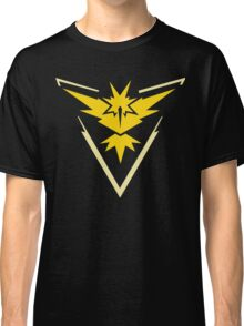 Pokemon Go | Team Instinct | Black Background | HUGE | New! | High Quality! Classic T-Shirt