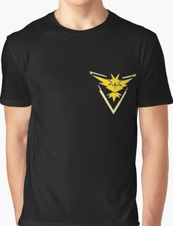 Pokemon Go | Team Instinct | Black Background | Small | New! | High Quality! Graphic T-Shirt