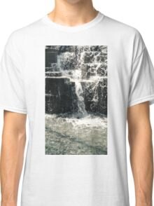 DIVING INTO MARBLE Classic T-Shirt