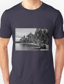 Beautiful tropical beach in Thailand with long exposure effect Unisex T-Shirt