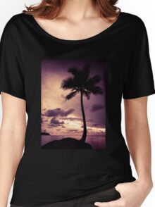 Palm tree with Retro summer filter effect Women's Relaxed Fit T-Shirt