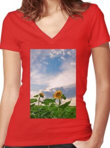 View of field with blooming sunflowers with sunset in background Women's Fitted V-Neck T-Shirt