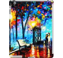 tardis in the rain iPad Case/Skin