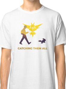 Pokemon Go - Catching Them All Team Instinct Eevee Classic T-Shirt