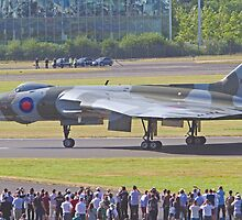 Vulcan XH558 by Keith Larby