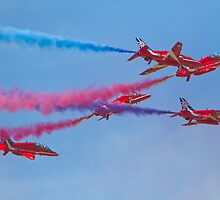 Red Arrows by Keith Larby