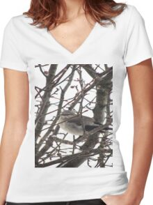 Bird in the Snow Women's Fitted V-Neck T-Shirt
