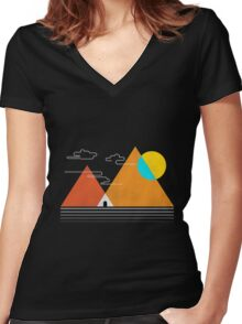 MOUNTAIN VIEW Women's Fitted V-Neck T-Shirt