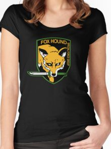 -METAL GEAR SOLID- Fox Hound Women's Fitted Scoop T-Shirt