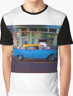 Old American car in La Habana, Cuba Graphic T-Shirt