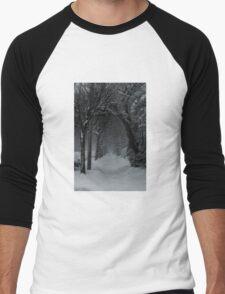 Winter Scene in Montreal Men's Baseball ¾ T-Shirt