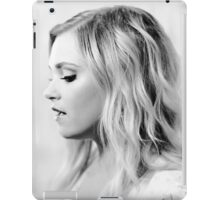 Eliza Taylor - Comic Con - The 100 Poster iPad Case/Skin
