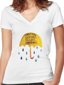 "HIMYM: ""Funny how"" Women's Fitted V-Neck T-Shirt"