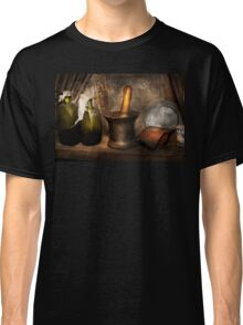 Pharmacy - Pestle - Home remedies Classic T-Shirt