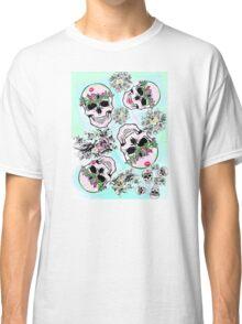 Pretty & tough, skulls & flowers Classic T-Shirt