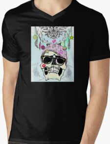 Hipster skull mashup with Steampunk cliches Mens V-Neck T-Shirt