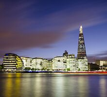 London Thames Cityscape at Sunset by avresa