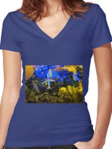 Travel Map Women's Fitted V-Neck T-Shirt