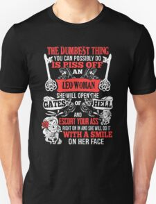 Leo woman Unisex T-Shirt