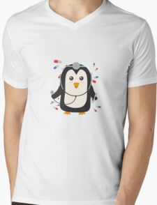 Penguin doctor   Mens V-Neck T-Shirt