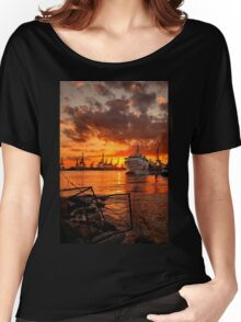 Sunset at the port Women's Relaxed Fit T-Shirt