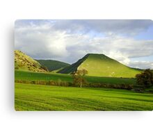 Thorpe Cloud from Bunster Hill Canvas Print