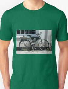 Vintage Bicycle with advertising sign for cafe. Unisex T-Shirt