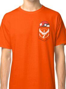 TEAM VALOR POCKET Classic T-Shirt