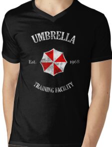 Umbrella Training Facility Vintage Resident Evil (for dark colors) Mens V-Neck T-Shirt