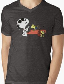 play music group snoopy Mens V-Neck T-Shirt