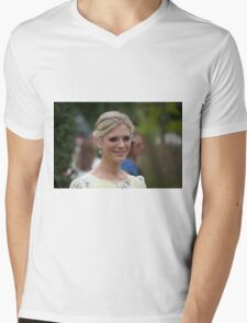Emilia Fox Mens V-Neck T-Shirt
