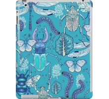 happy frozen blue bugs iPad Case/Skin