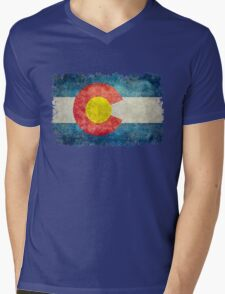 Flag of Colorado in vintage retro style Mens V-Neck T-Shirt