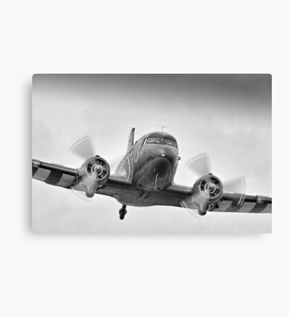 DC3 Fast And Low - Farnborough 2014 Canvas Print