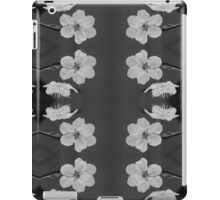 Black and White Blossom Circles iPad Case/Skin