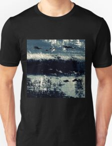 BIRDS ON THE SEA Unisex T-Shirt