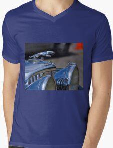 1947 Jaguar 3-1/2 Litre Roadster Mens V-Neck T-Shirt