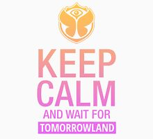 Keep Calm and wait for Tomorrowland festival - Pink gradient Women's Fitted Scoop T-Shirt