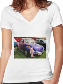 Bugsy I Women's Fitted V-Neck T-Shirt