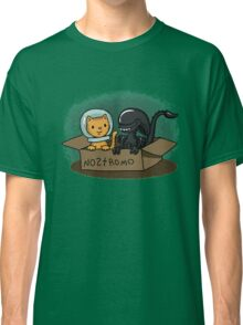 Kitten and Alien Classic T-Shirt